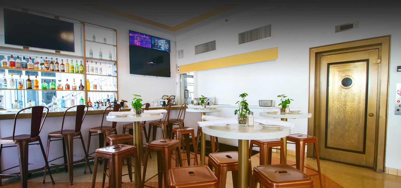 OUR ONSITE OCEAN 7 CAFÉ SERVES BREAKFAST, LUNCH , AND DINNER