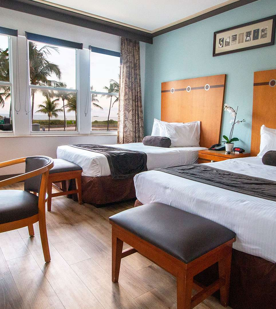 RELAX IN OUR WELL-APPOINTED GUEST ROOMS BESIDE THE OCEAN