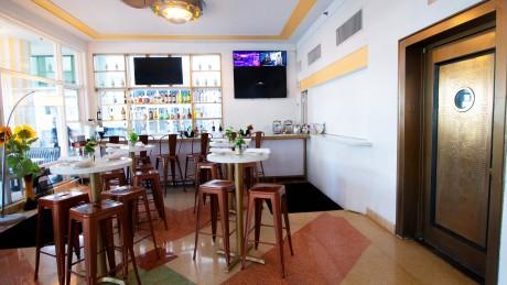 Majestic Hotel - Ocean 7 Cafe
