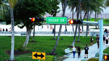 Majestic Hotel - Ocean Drive and Beach Access
