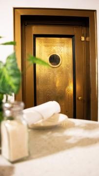 Majestic Hotel - Elevator
